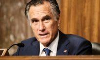 Thượng nghị sĩ Mitt Romney bị chỉ trích là 'kẻ phản bội', 'tên cộng sản'