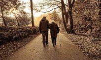 Khảo sát 1.420 người cao tuổi: Bí quyết sống lâu trăm tuổi không phải thể dục hay ăn kiêng