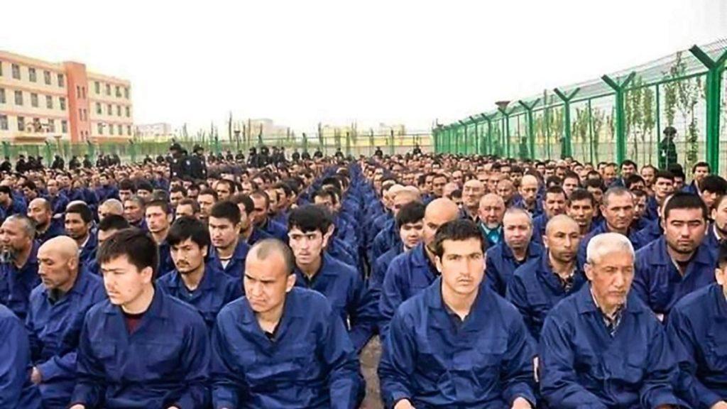 Tài liệu Bắc Kinh buộc người Duy Ngô Nhĩ phản bác ông Pompeo, ca ngợi chính quyền bị phơi bày