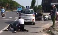 Kỷ luật Đại uý công an đứng nhìn tài xế taxi vật lộn với tên cướp