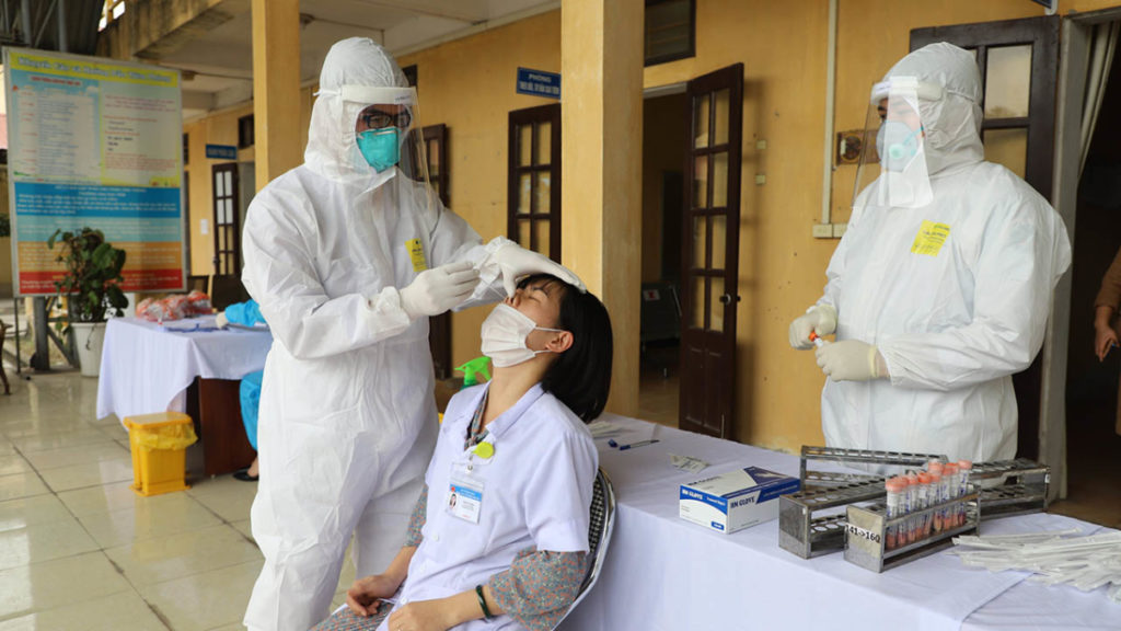 Một ca dương tính COVID-19 ở BV Bệnh nhiệt đới Trung ương đi ăn giỗ, ăn cưới