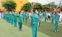 Quảng Ninh cử 200 nhân viên y tế giúp Bắc Giang chống dịch COVID-19