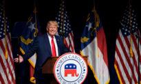 Cựu TT Trump trực tiếp chỉ trích ông Biden tại Hội nghị đảng Cộng hòa North Carolina