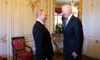 Chính quyền Biden chuẩn bị trừng phạt Nga lần thứ ba