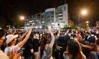 Thế giới lên án việc ĐCS Trung Quốc cưỡng chế đóng cửa tòa soạn Apple Daily của HK