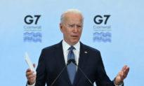 Cựu trợ lý Trump: Sự thiếu hiểu biết của Biden về các cuộc tấn công mạng 'làm tôi kinh hãi'