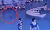 Mẹ mải dùng điện thoại di động, con trai 4 tuổi cách đó 3 mét chết đuối oan uổng