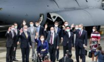 Trung Quốc phô diễn sức mạnh quân sự sau chuyến thăm Đài Loan của các Thượng nghị sĩ Hoa Kỳ