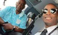 'Có khách VIP trên chuyến bay': Hành khách xúc động khi phi công thông báo rằng mình 'có bố đi cùng'