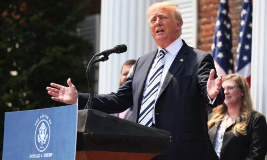 Ông Trump tiết lộ: Túi đựng thi thể chất đống bên ngoài phòng thí nghiệm Vũ Hán
