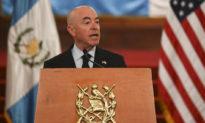 Chính quyền Biden cảnh báo người Cuba và Haiti không lên thuyền vượt biên đến Mỹ