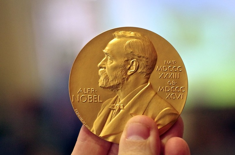 Hơn 100 nhà đoạt giải Nobel chỉ trích chính quyền Trung Quốc