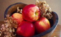 Ăn một quả táo mỗi sáng khi bụng đói có thể mang lại '4 lợi ích chính'