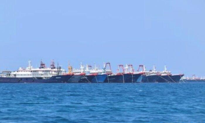 'Hạm đội' tàu cá Trung Quốc đang làm hư hại các rạn san hô ở biển Đông