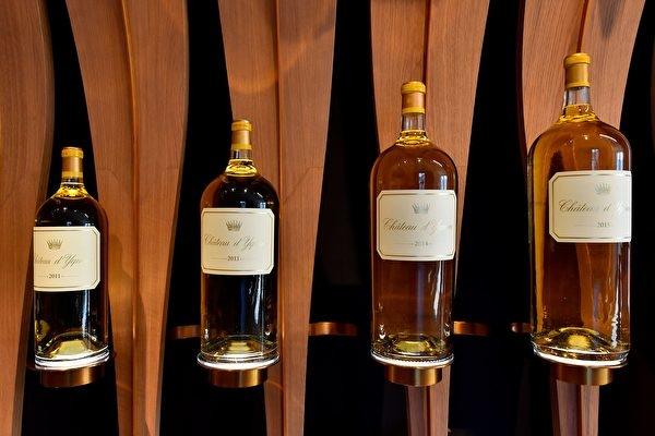 'Sai lầm đáng giá': Phục vụ nhầm loại rượu gần 6.000 đô la cho khách, nhà hàng Anh 'bỗng dưng nổi tiếng'