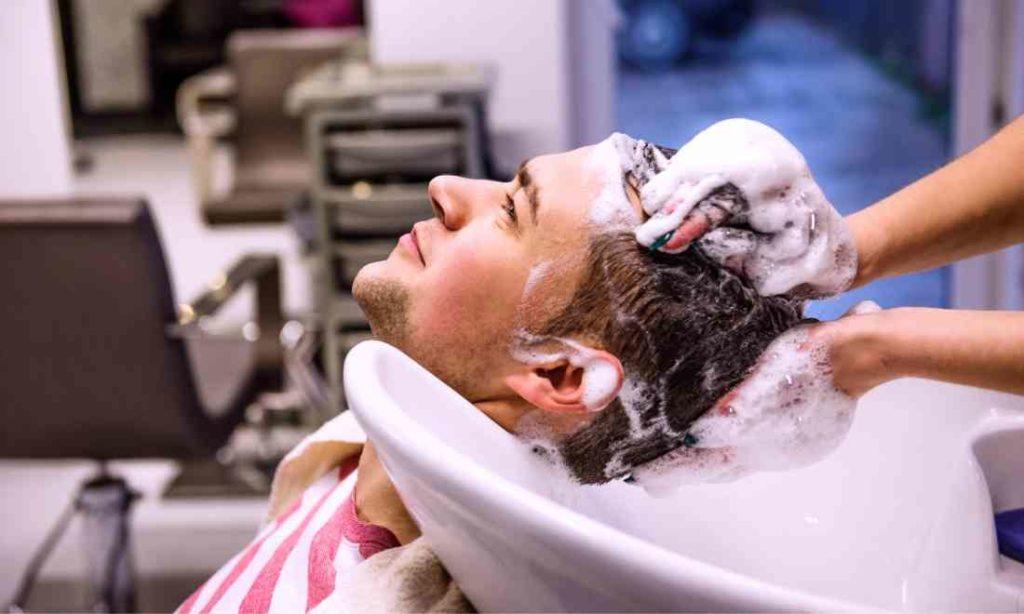 Tóc hay rụng? 8 lời khuyên giúp bạn gội đầu và bảo vệ tóc đúng cách