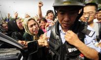 Đại sứ quán Trung Quốc uy hiếp báo Pháp, đòi gỡ bài về người Duy Ngô Nhĩ