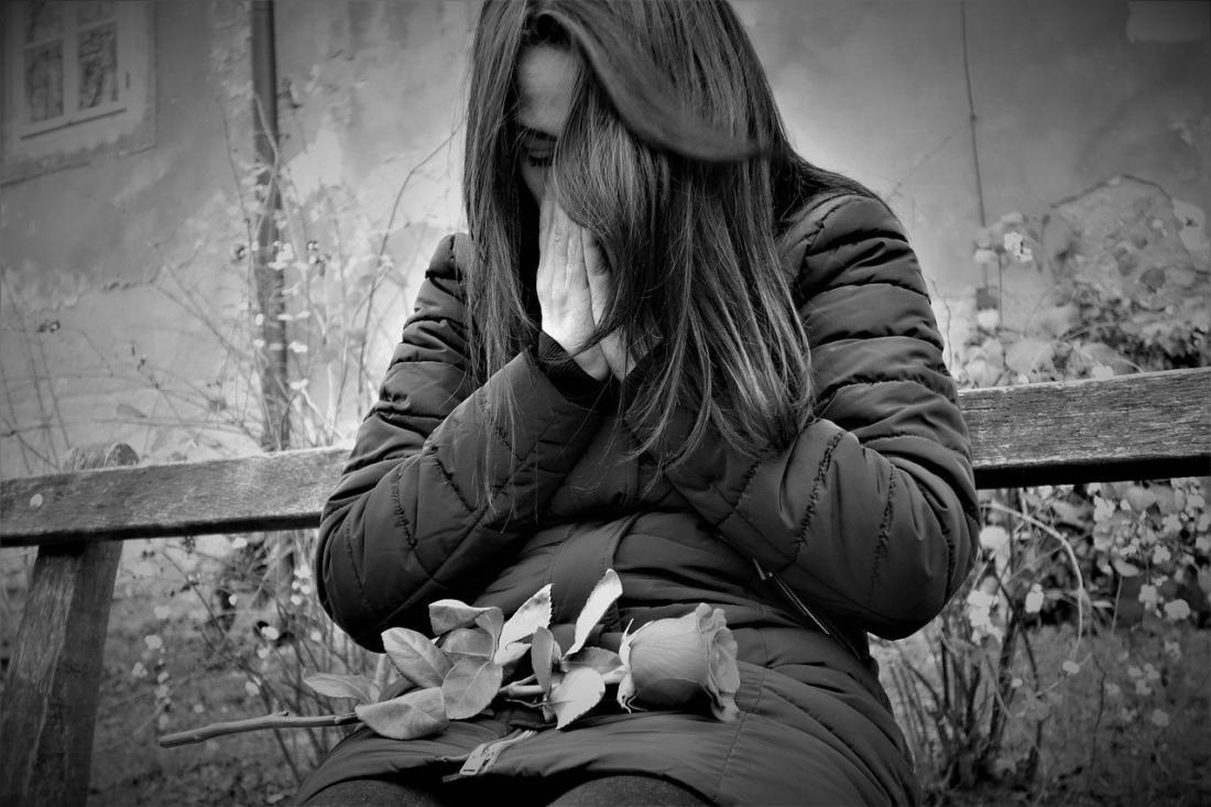 Mỗi năm, có hàng trăm nữ diễn viên JAV bị khủng hoảng tâm thần, nhiều người đã tìm tới cái chết. (Ảnh minh họa từ pixabay)