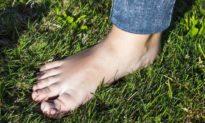 'Đi chân đất' mỗi ngày có tác dụng chữa bách bệnh