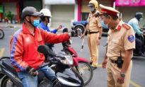 TP.HCM đồng loạt ra quân kiểm soát người dân ra đường, Hà Nội phạt hơn 1,5 tỷ đồng trong 3 ngày giãn cách