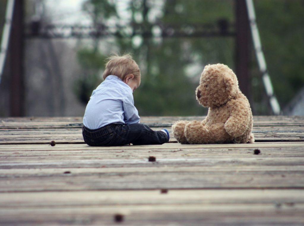 Những đứa trẻ bất hạnh nhất thường đến từ 6 loại gia đình [Radio]