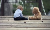 Những đứa trẻ bất hạnh nhất thường đến từ 6 loại gia đình