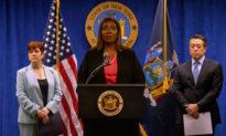 Biden, Pelosi kêu gọi Thống đốc New York từ chức do cáo buộc quấy rối tình dục