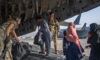 CDC Mỹ: Người tị nạn Afghanistan mang theo các loại bệnh sởi, lao và sốt rét