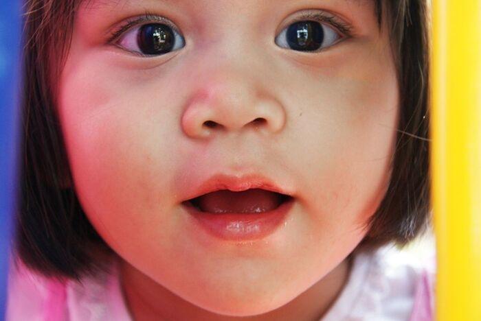 5 cách bảo vệ đôi mắt khi trẻ phải học online mùa dịch