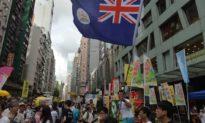 Một phóng viên bị bắt vì 'sỉ nhục' quốc ca ĐCS Trung Quốc khi vẫy cờ Hong Kong thuộc Anh