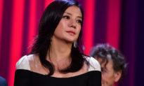 Triệu Vy có phải vật hy sinh cho thế lực chính trị đứng sau ngành giải trí Hoa ngữ?
