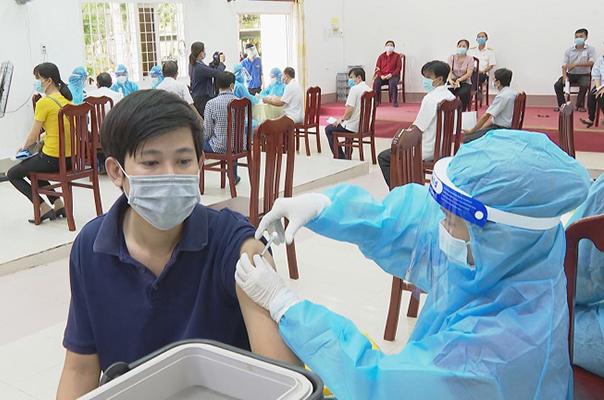 3 tỉnh phía Nam tiếp tục giãn cách xã hội; Bộ Y tế thay đổi chiến lược điều trị COVID-19