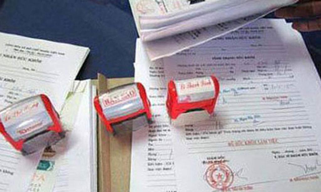 Hà Nội truy tố các bị can trong đường dây làm giả giấy khám sức khỏe, phiếu xét nghiệm của bệnh viện