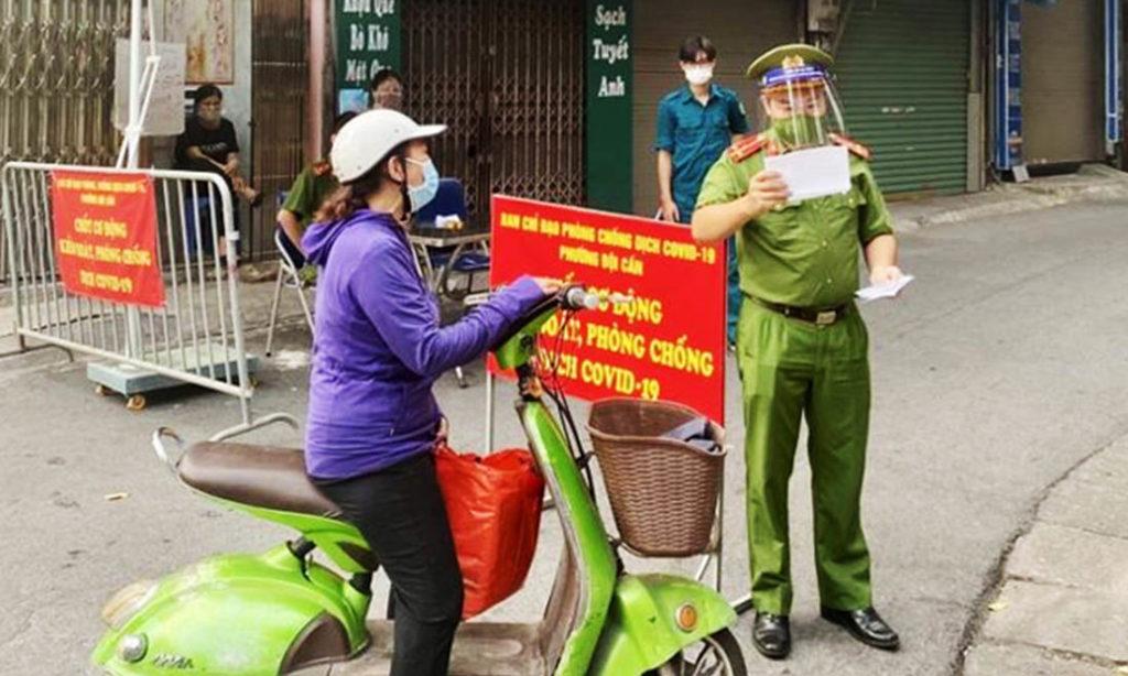 Hà Nội xử phạt hơn 11 tỷ đồng các trường hợp vi phạm trong 9 ngày giãn cách xã hội
