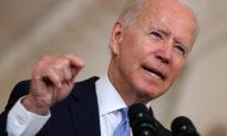 Biden không đặt ra thời hạn giải cứu những người Mỹ bị kẹt lại ở Afghanistan