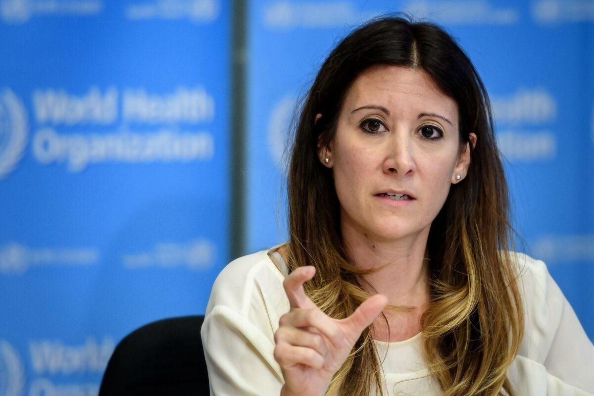 Trưởng nhóm Kỹ thuật của Tổ chức Y tế Thế giới Maria Van Kerkhove trong cuộc họp báo hàng ngày về virus COVID-19 tại trụ sở của WHO ở Geneva vào ngày 9/3/2020 (Fabrice Coffrini / AFP via Getty Images)