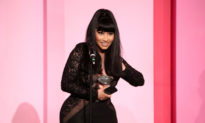 Nicki Minaj: Vaccine COVID-19 và văn hóa hủy bỏ khiến cô liên tưởng đến Trung Quốc
