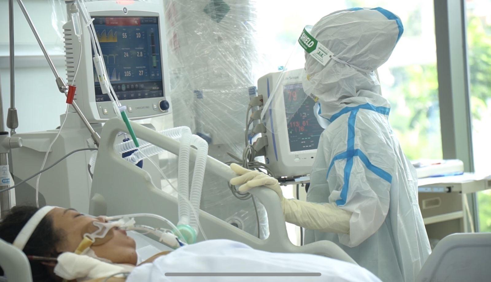 Bệnh nhân COVID-19 trở nặng do bão cytokine tấn công -hcdc