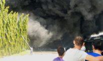 Cháy lớn tại công ty sản xuất '3 tại chỗ', nhiều công nhân ngất xỉu
