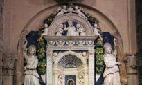 Sự linh thiêng trong đám cưới người Florence và đồ gốm thời Phục hưng
