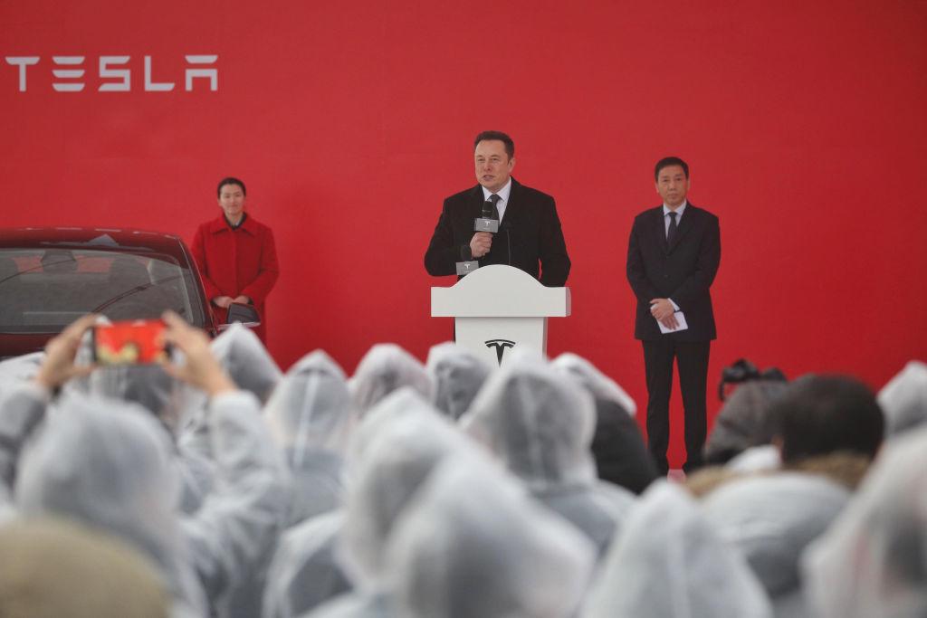 Elon Musk cam kết đầu tư nhiều hơn vào Trung Quốc khi Tesla phụ thuộc vào tốc độ tăng trưởng của Gigafactory Thượng Hải