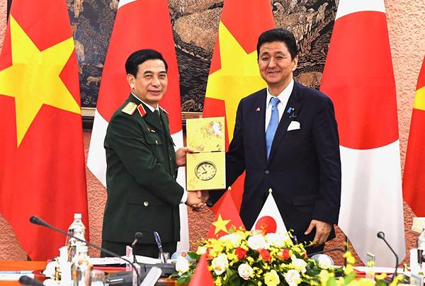 Nhật Bản, Việt Nam ký thỏa thuận chuyển giao quốc phòng, trước quan ngại về Trung Quốc