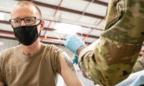Nếu từ chối tiêm vaccine COVID-19, binh sĩ Mỹ sẽ bị Biden đối xử như kẻ đào ngũ, gián điệp hay giết người