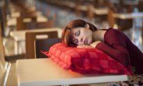 Ngủ bù có hại cho sức khỏe hay không?