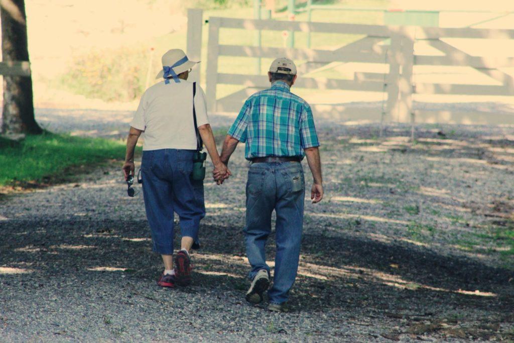 Tại sao hai người gian khổ nhất thế gian này lại nói rằng họ rất hạnh phúc? [Radio]
