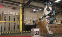 Đã đến lúc chúng ta cần phải suy nghĩ Robot là bạn hay kẻ thù?