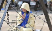 """9 năm ngục tù vì đức tin, một người Trung Quốc liên tục bị đe dọa ''Chọn mất trí hay mất mạng"""""""
