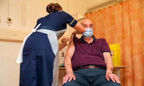 Không phong tỏa, hạn chế vaccine nhưng số ca nhiễm COVID-19 mới của Nhật đang giảm mạnh