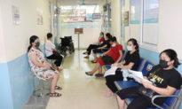 Bộ Y tế Việt Nam thúc giục tiêm vaccine cho phụ nữ mang thai trên 13 tuần