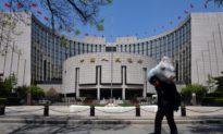 Tại sao Bắc Kinh đón tài phiệt Phố Wall vào Trung Quốc nhưng lại cản doanh nghiệp hút vốn ở Mỹ?
